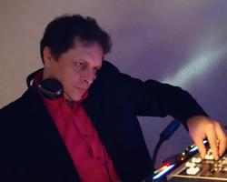 "Christophe en mode ""DJ"""